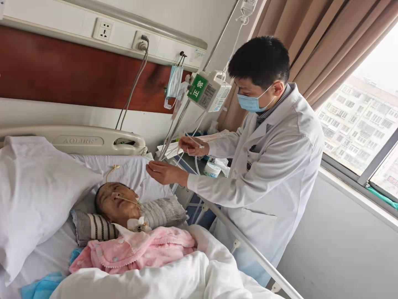 「无家」老人8个月难寻亲属,烟台海港医院待如亲人